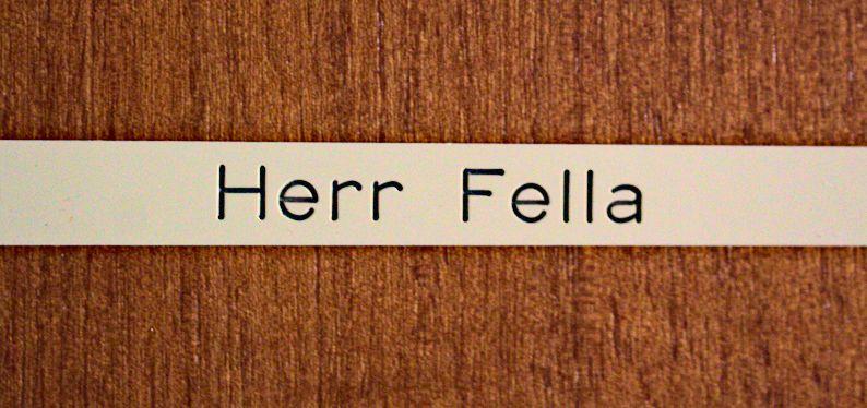 Vaters Namensschild Herr Fella