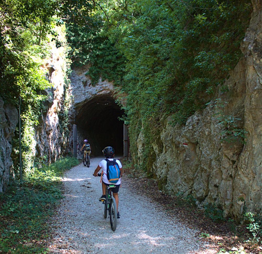 Einfahrt zum Cortaccione Tunnel