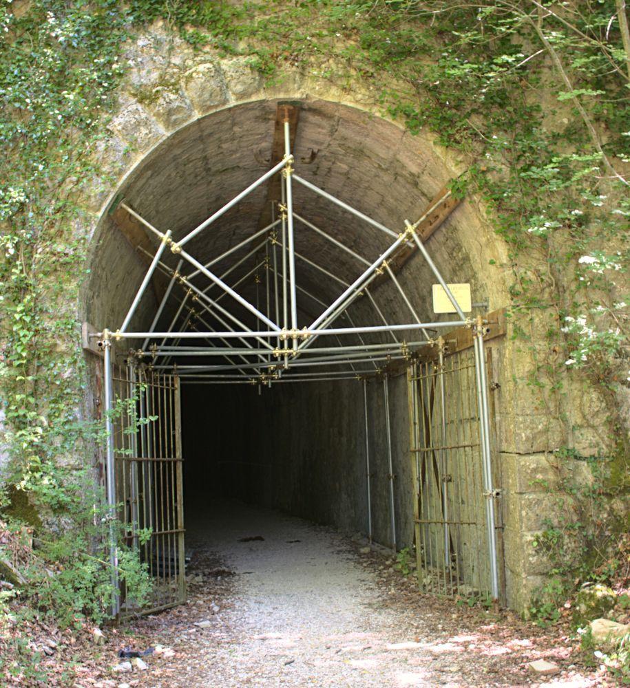 Eingang des Caprareccia Tunnels