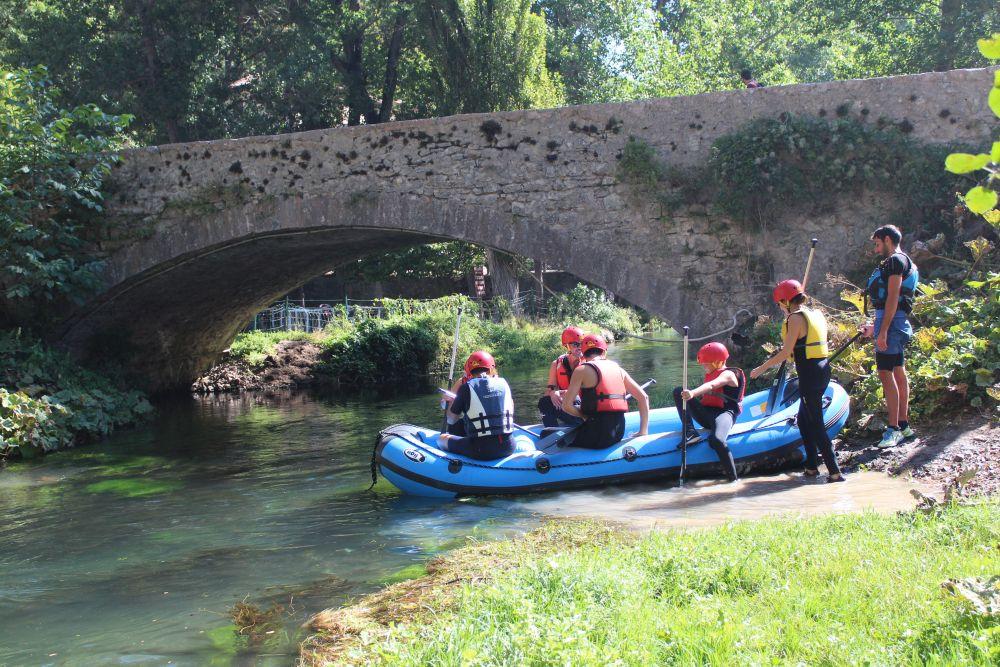 Rafting Einstiegspunkt in Serravalle am Fluss Corno
