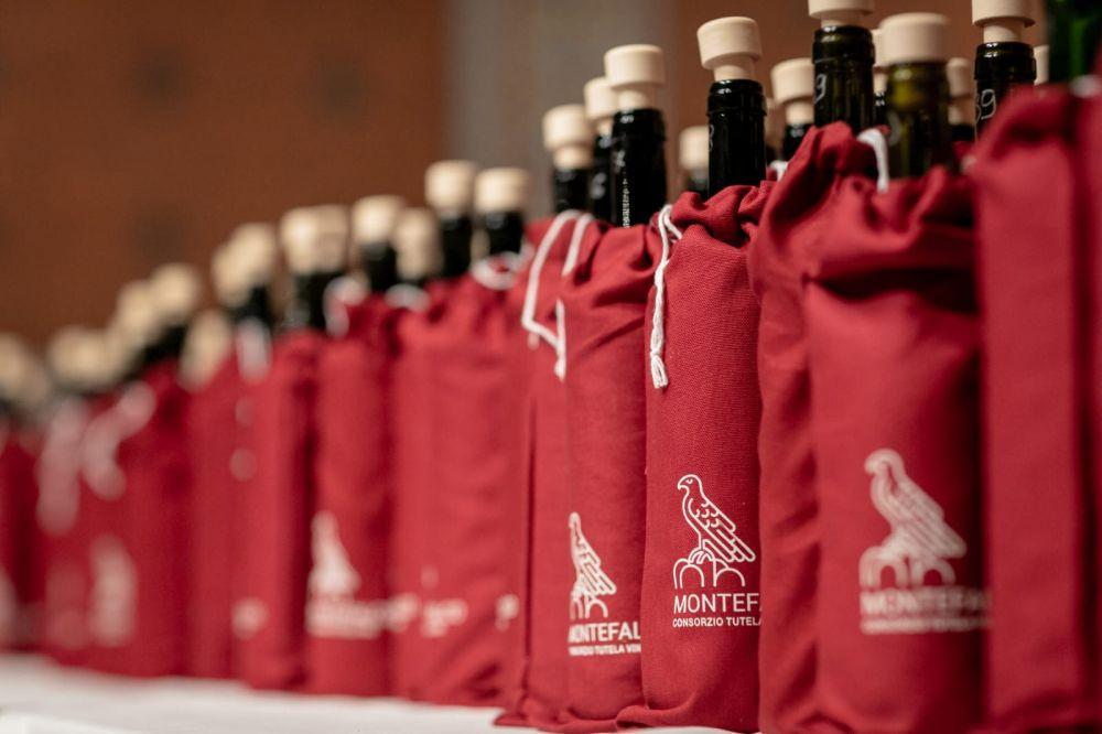 Weinprobe Montefalco Sagrantino, Montefalco Rosso, Montefalco Sagrantino Passito un andere Weine. Photo: https://www.facebook.com/consorzio.montefalco